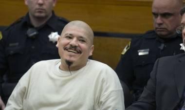 Con una sonrisa siniestra, asesino mexicano de policías recibe sentencia a pena de muerte
