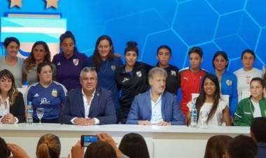 Es oficial: se profesionaliza el fútbol femenino
