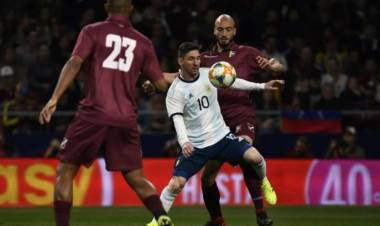 Argentina jugó mal y perdió 3 a 1 con Venezuela