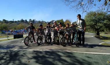 ENCUENTRO DE ESCUELITAS DE BMX EN EL  PARQUE DEL ESTADIO KEMPES