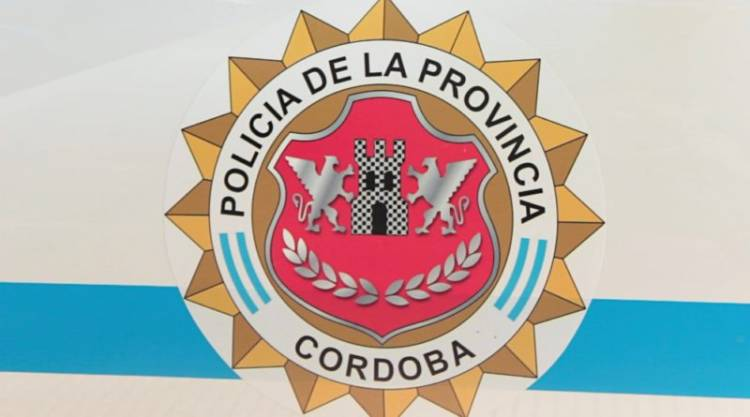 Un policía de franco detuvo a una banda que robaba con inhibidores de alarmas